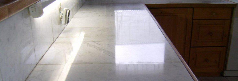 márványpult